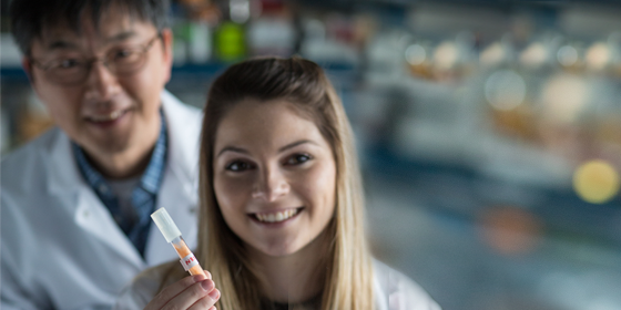 FINDING SOLUTIONS IN FUNGUS Morgan Dwyer has worked with Associate Professor Kwangwon Lee to use fungi to research ways of stopping the spread of disease.
